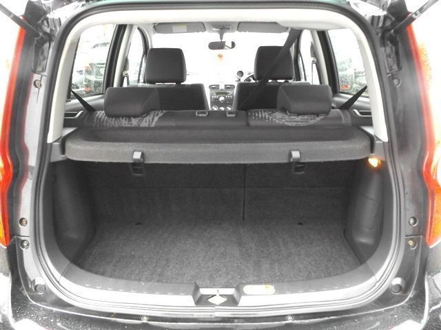 2011 Vauxhall Agila 1.2 SE 5d image 8