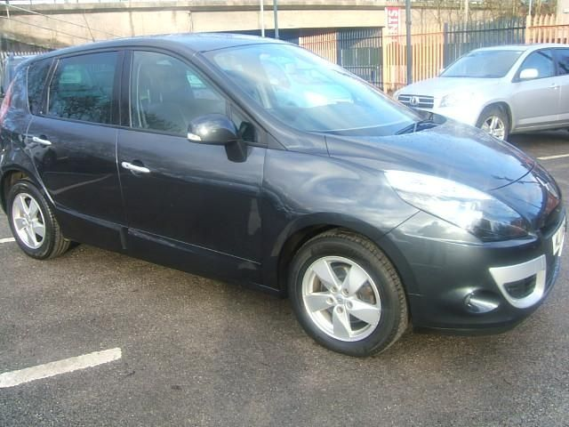 2011 Renault Scenic 1.5 dCi 5dr image 1