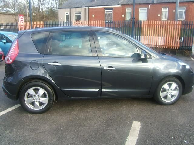 2011 Renault Scenic 1.5 dCi 5dr image 4