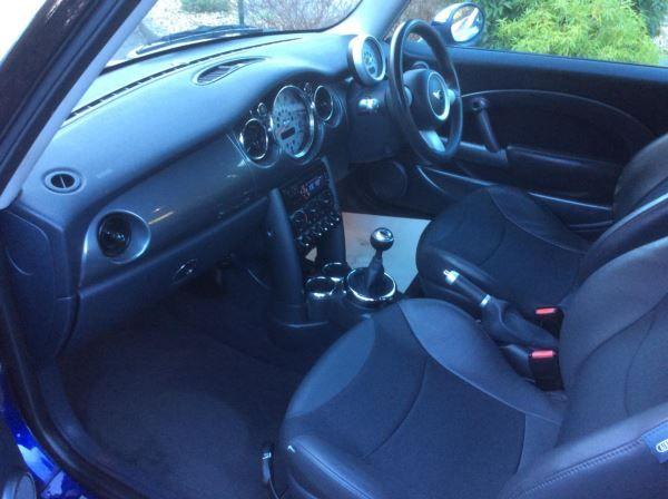 2005 MINI Hatchback 1.6 Cooper image 8