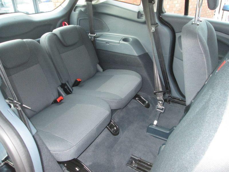 2013 Ford Grand C-MAX 1.6 TDCi Zetec image 8