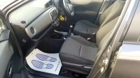 2013 Toyota Yaris 1.4 5dr image 10