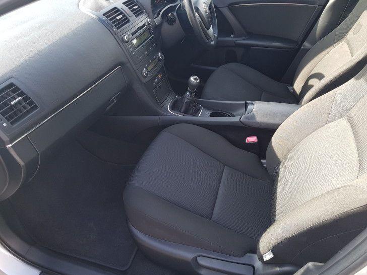 2010 Toyota Avensis 2.0 D-4D image 8