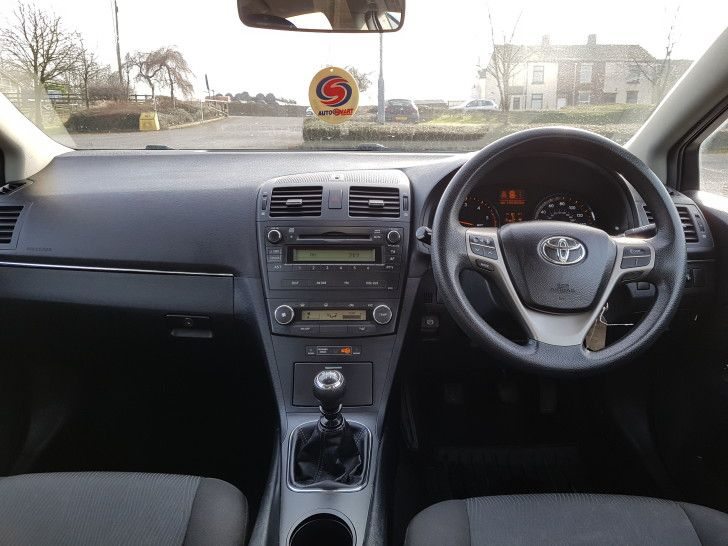 2010 Toyota Avensis 2.0 D-4D image 9