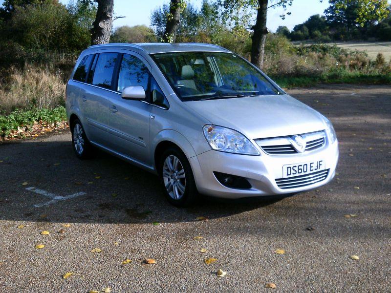 2010 Vauxhall Zafira Design 1.8 16v image 1