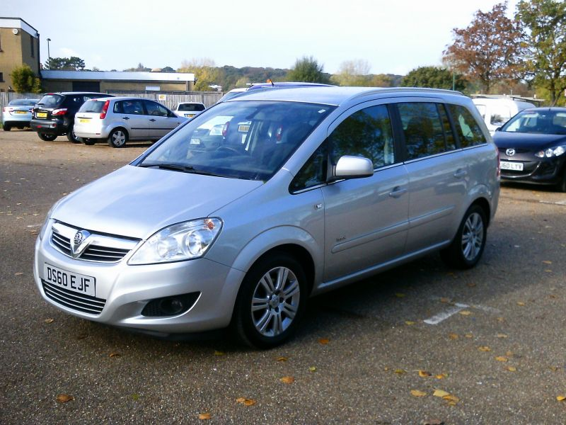 2010 Vauxhall Zafira Design 1.8 16v image 3