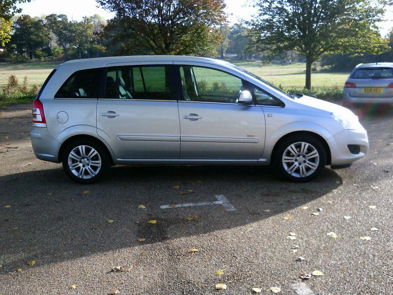 2010 Vauxhall Zafira Design 1.8 16v image 4