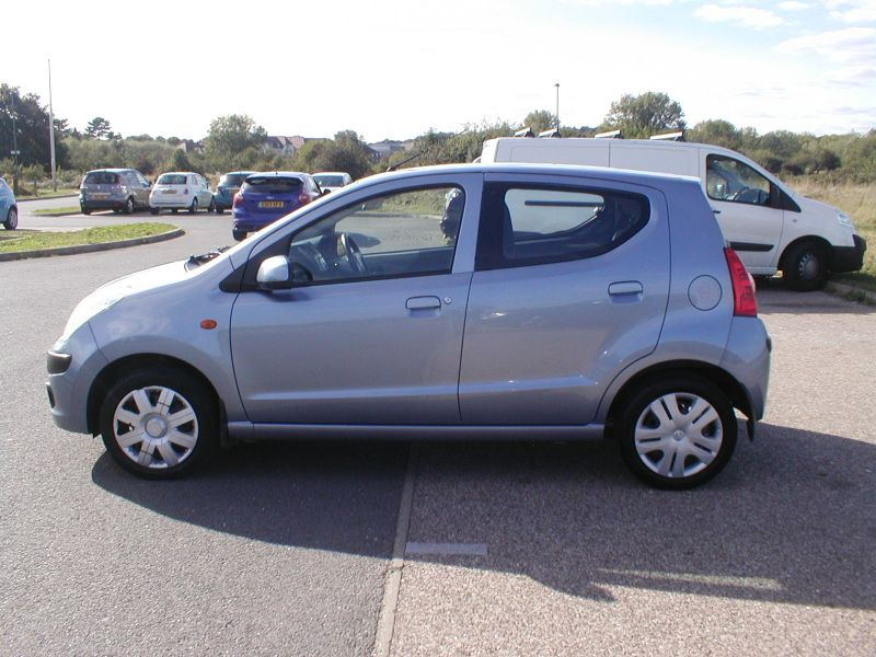2009 Nissan Pixo 1.0 5dr image 7
