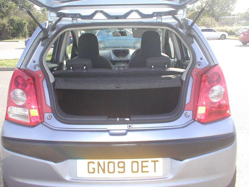 2009 Nissan Pixo 1.0 5dr image 8