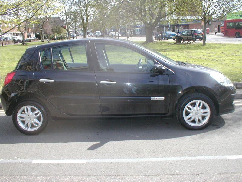 2007 Renault Clio LTD 1.2 16V 5dr image 5