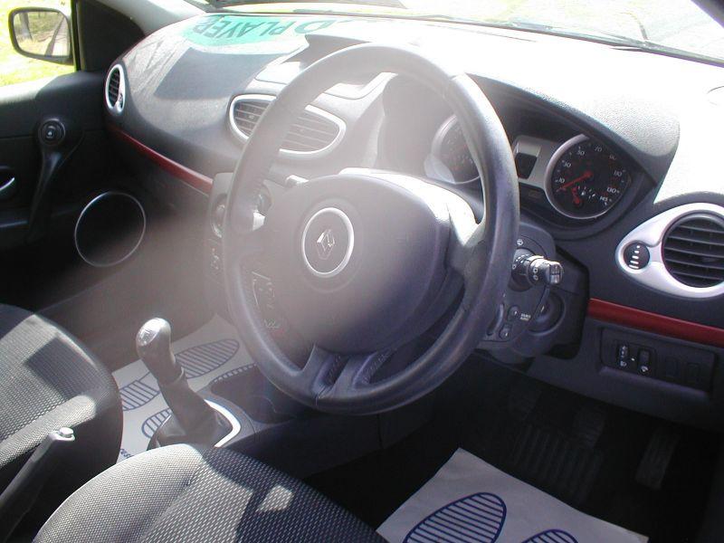 2007 Renault Clio LTD 1.2 16V 5dr image 9
