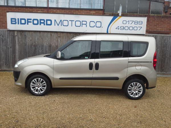 2011 Fiat Doblo 1.6 5dr image 5
