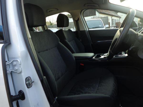 2013 Peugeot 3008 1.6 HDi 5dr image 6
