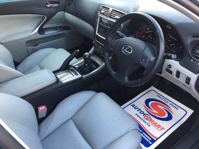 2007 Lexus IS 2.2 TD SE 4dr image 8
