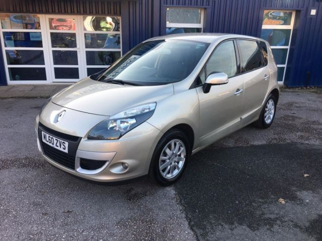 2010 Renault Scenic 1.5 dCi 5dr image 2