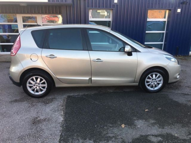 2010 Renault Scenic 1.5 dCi 5dr image 3