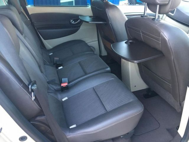 2010 Renault Scenic 1.5 dCi 5dr image 9