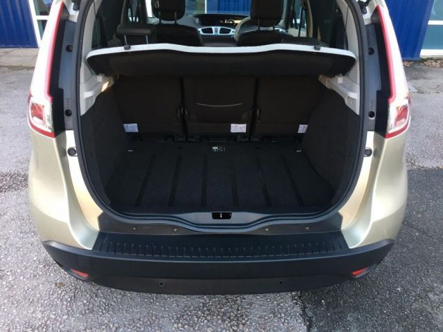 2010 Renault Scenic 1.5 dCi 5dr image 10
