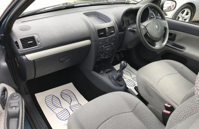 2005 Renault Clio 1.5 dCi image 8