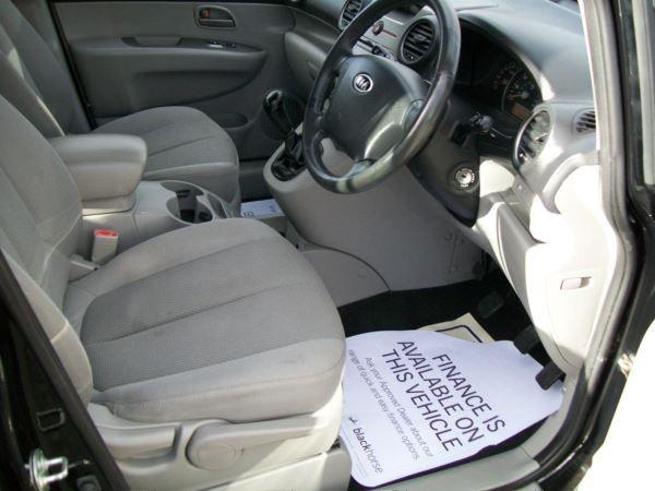 2009 Kia Carens 2.0 GS 5dr image 6