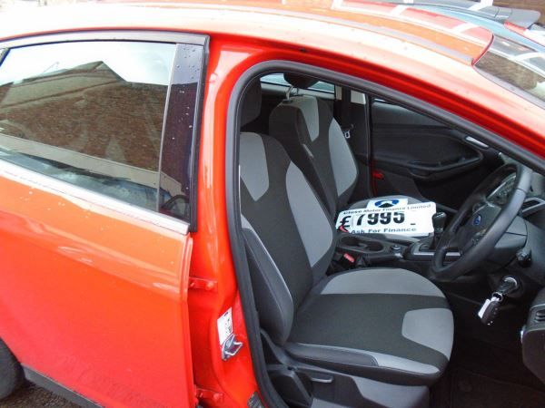 2013 Ford Focus 1.0 EcoBoost Zetec image 6