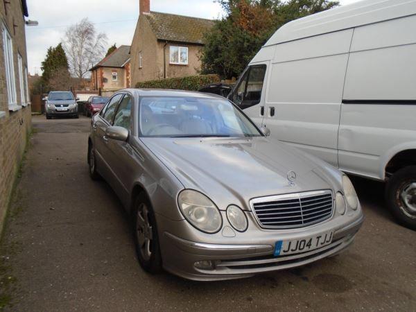 2005 Mercedes-Benz E320 CDI image 1