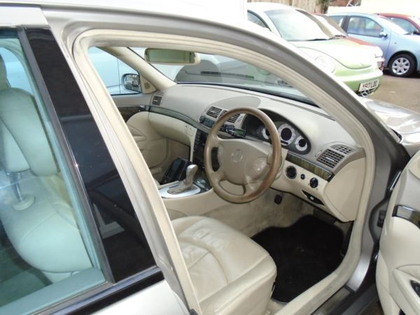 2005 Mercedes-Benz E320 CDI image 6