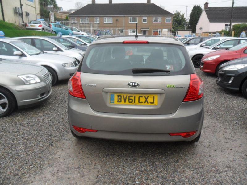 2011 Kia Ceed 1.6 Crdi 5dr image 5