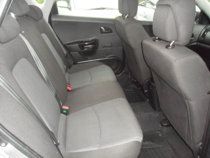 2011 Kia Ceed 1.6 Crdi 5dr image 9