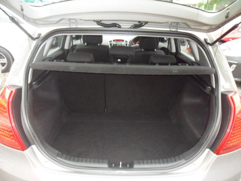 2011 Kia Ceed 1.6 Crdi 5dr image 10