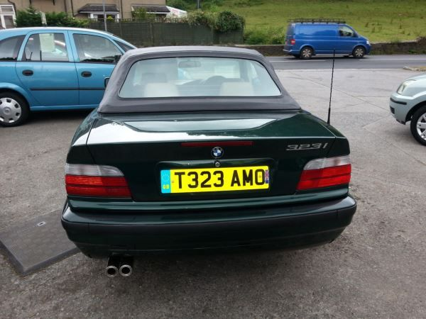 1999 BMW 3 Series 323i image 3