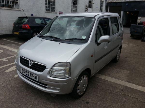 2002 Vauxhall Agila 1.0i 12V image 3