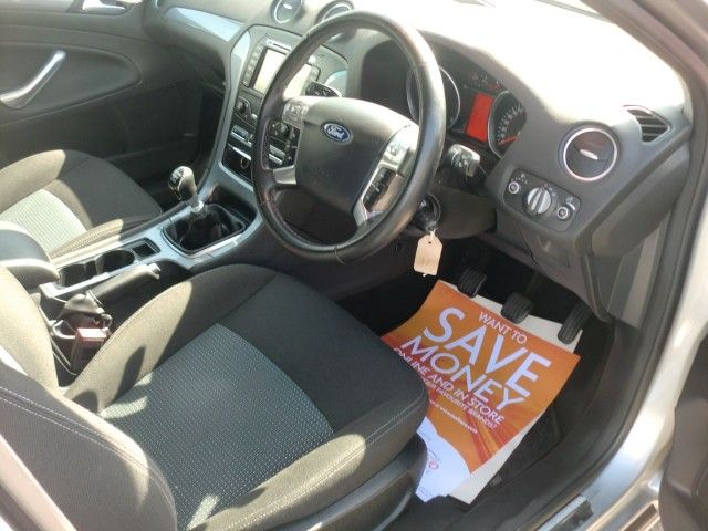 2012 Ford Mondeo 2.0 Zetec TDCI 5d image 9