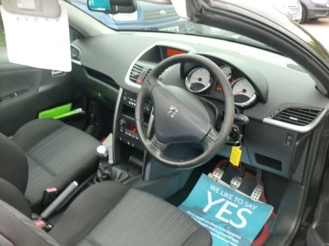 2010 Peugeot 207 1.6 CC GT 2d image 9
