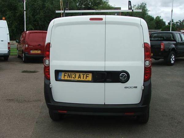 2013 Vauxhall Combo 2000 L1H1 CDTI SS E image 5