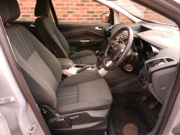 2012 Ford C-MAX 1.6 Titanium 5dr image 6