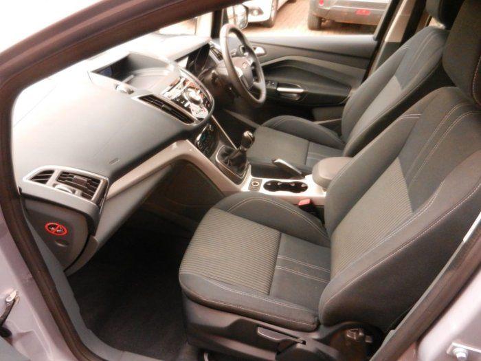 2012 Ford C-MAX 1.6 Titanium 5dr image 7