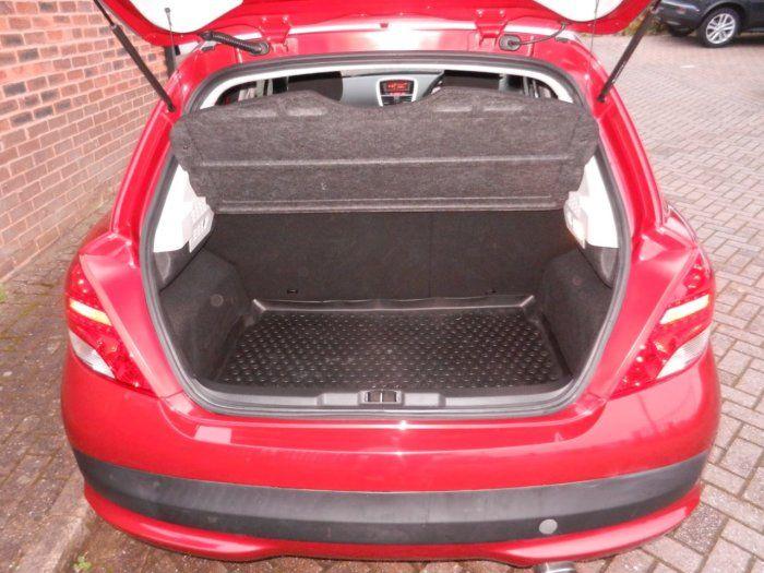 2011 Peugeot 207 1.4 VTi Sport 5dr image 8