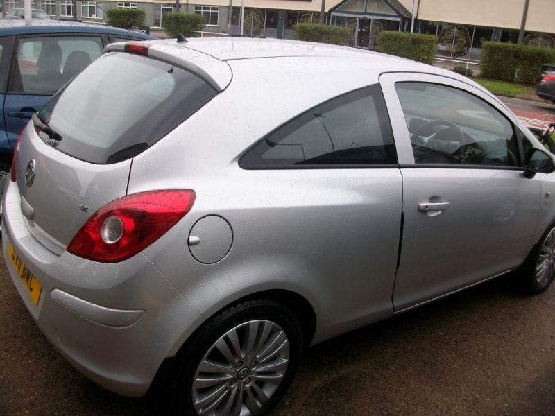 2011 Vauxhall Corsa 1.2 3dr image 3