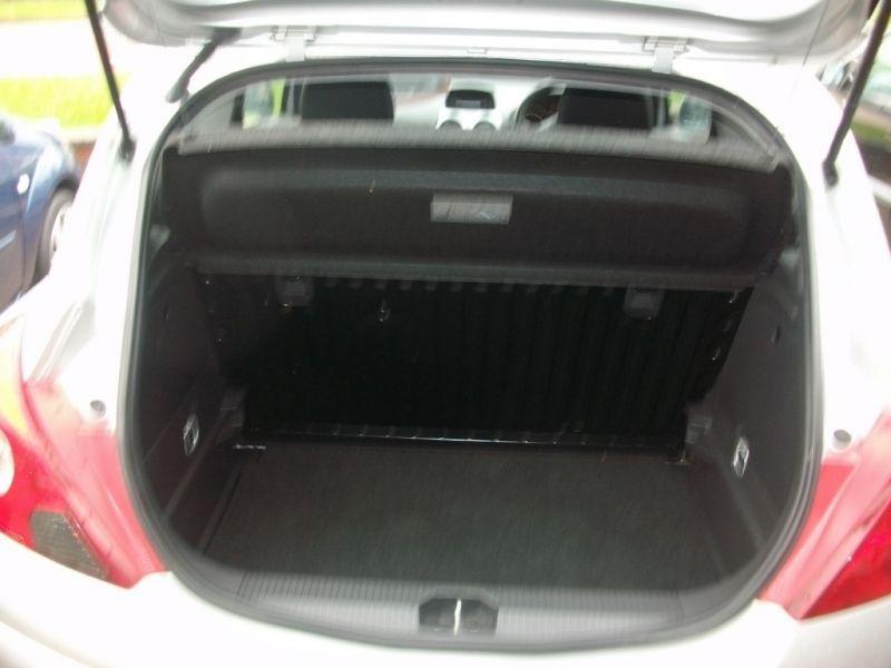 2011 Vauxhall Corsa 1.2 3dr image 8