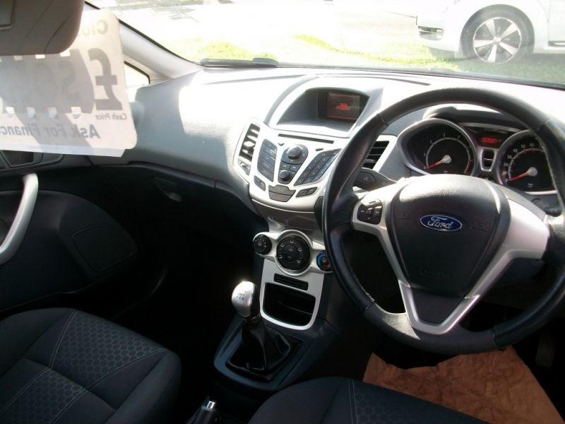 2009 Ford Fiesta 1.4 16V 3dr image 5