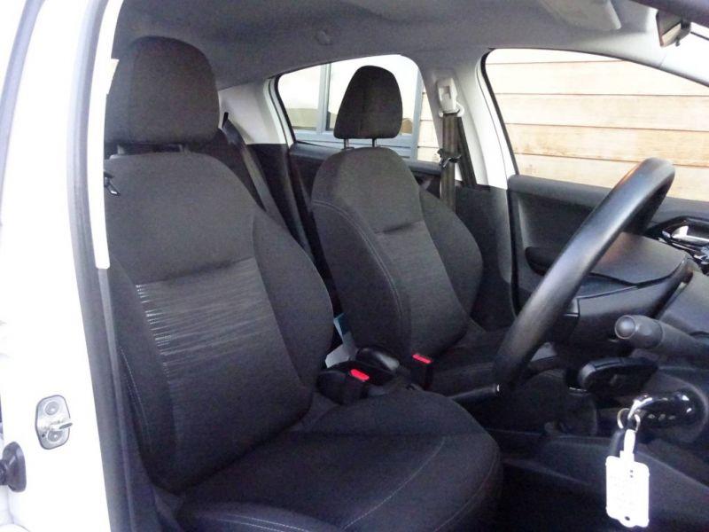 2013 Peugeot 208 1.2 VTI 5dr image 7