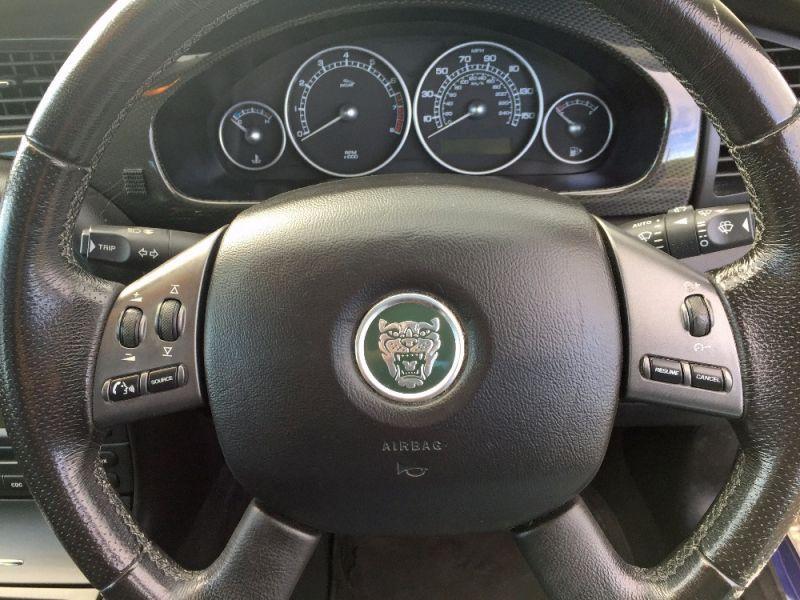 2005 Jaguar X-Type 2.5 V6 Sport 4dr image 9
