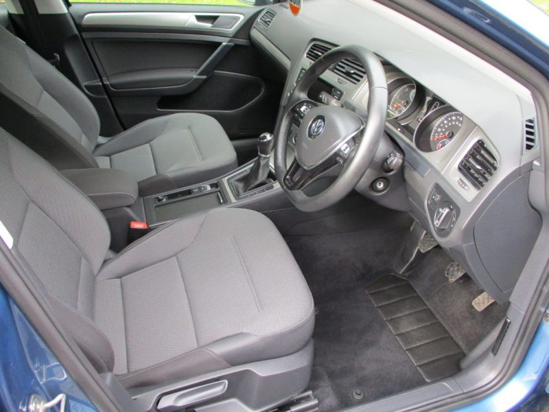 2014 Volkswagen Golf 1.6 TDi 5dr image 7