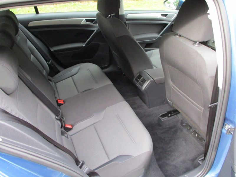 2014 Volkswagen Golf 1.6 TDi 5dr image 9