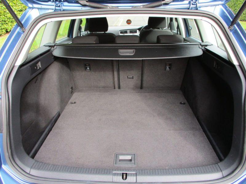 2014 Volkswagen Golf 1.6 TDi 5dr image 10