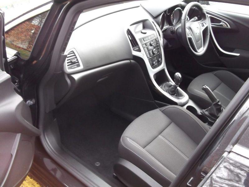 2014 Vauxhall Astra 1.6SRi 5dr image 8