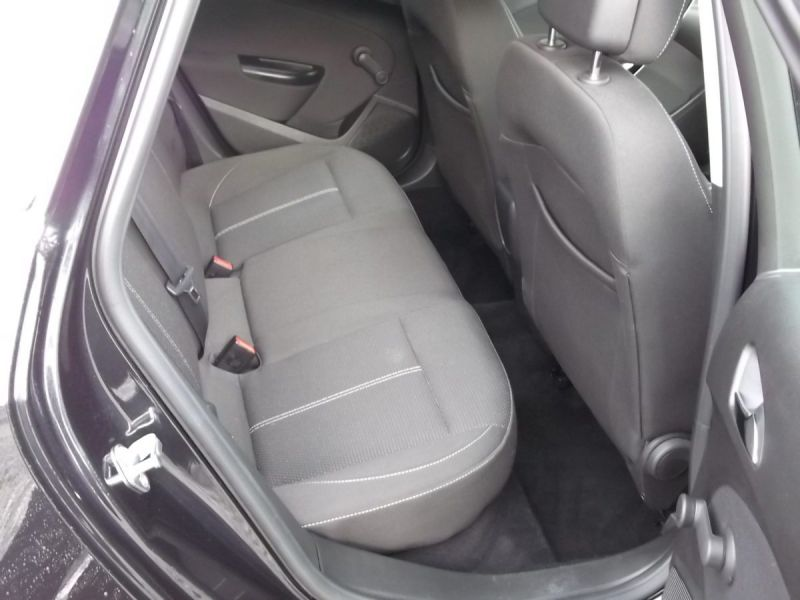 2014 Vauxhall Astra 1.6SRi 5dr image 9