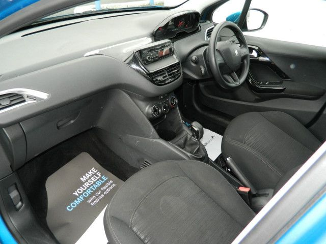 2013 Peugeot 208 1.4 HDI 5d image 6