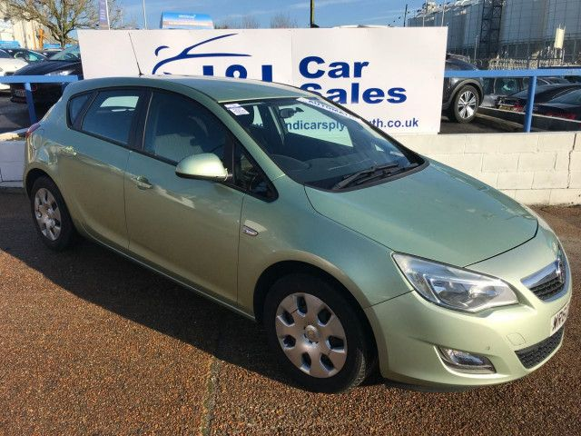 2011 Vauxhall Astra 1.6 5d image 1